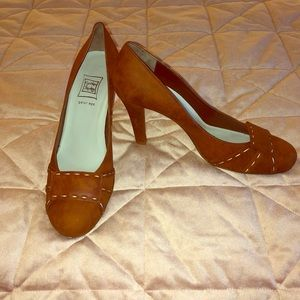 New Cynthia Rowley Brown Heels 9.5